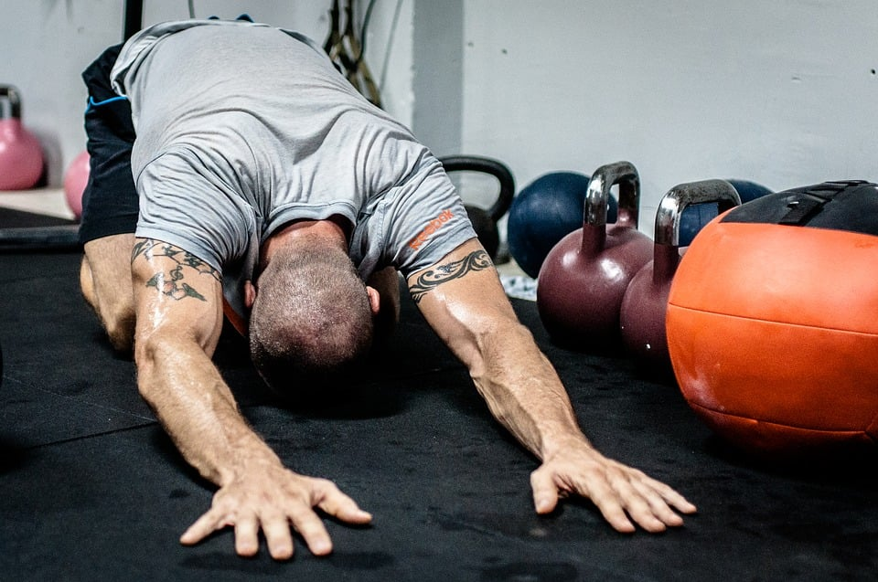 stretching vicino kettlebell