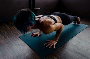 Push up a terra per allenare il petto